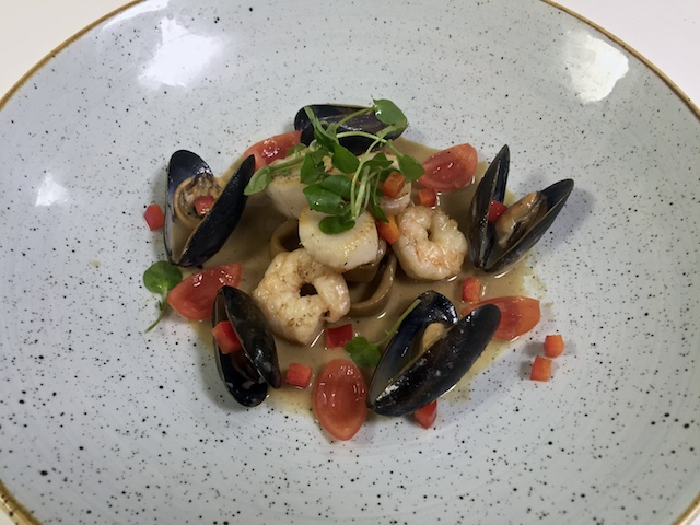 Scallop, squid & mussel potjie