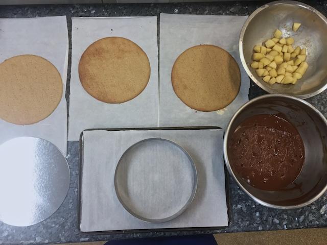 Mozart cake assembly